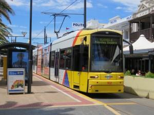 Diese Tram fährt regelmässig nach Adelaide